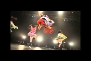 【ももクロ】ももいろクローバーZ 百田夏菜子 の えびぞりジャンプが凄すぎる!